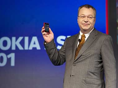 Nokia CEO with the Asha 501 in this photo. Image by Nokia.
