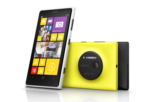 The Nokia Lumia 1020 has a 4.5-inch AMOLED WXGA (1280x768) display, and is powered by a 1.5 GHz dual-core Snapdragon S4 prcessor and 2GB of RAM. Image: ibnlive