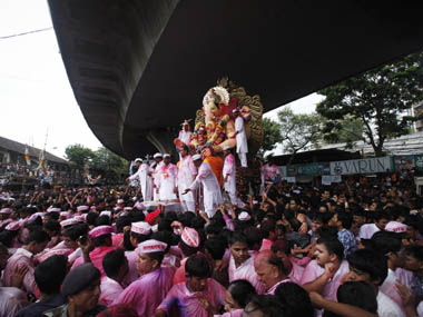 A Visarjan procession in Mumbai: Reuters
