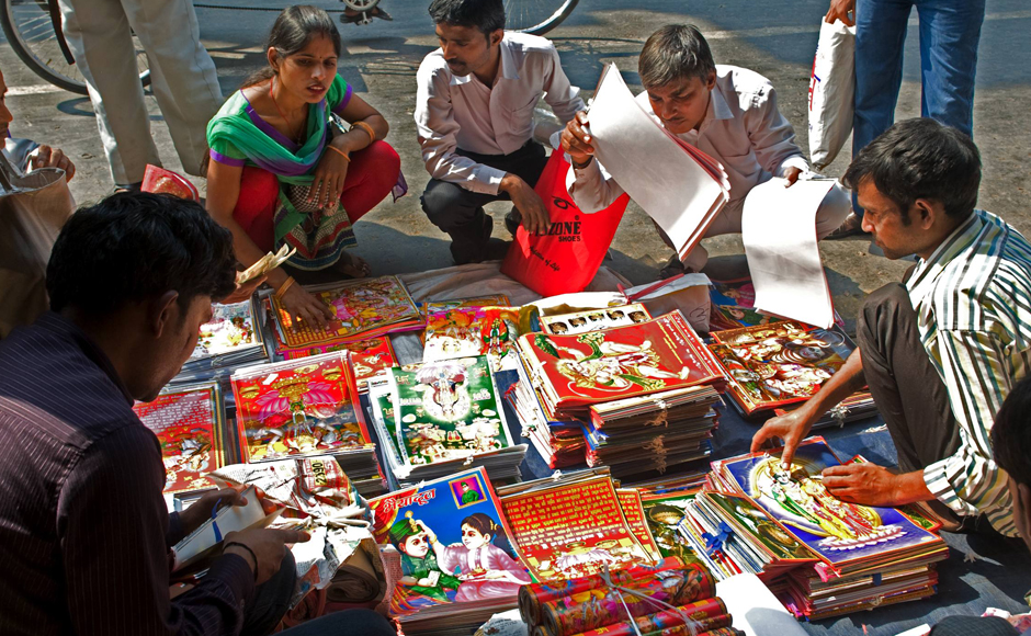 Diwali Diyas Online Shopping India: Photos: Diyas To Crackers, Here's What Diwali Shoppers Are