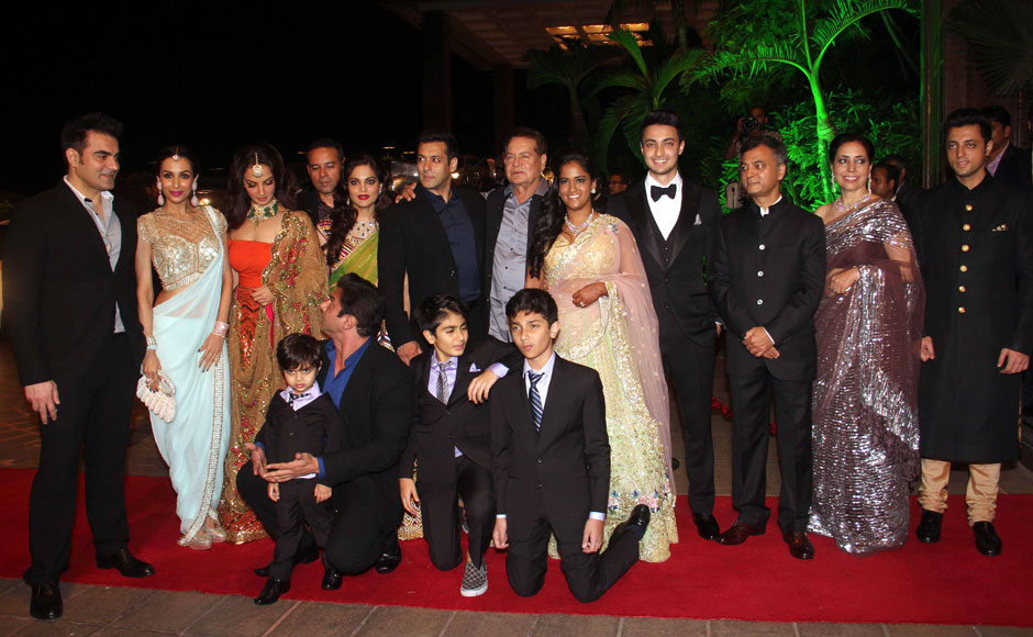 <p> The Khan-daan: Ok so we couldn't resist the pun but here's the entire Salim Khan family posing together for the final reception for Arpita Khan's wedding in a Mumbai hotel. See who else made it to the reception in the following images. Firstpost</p>