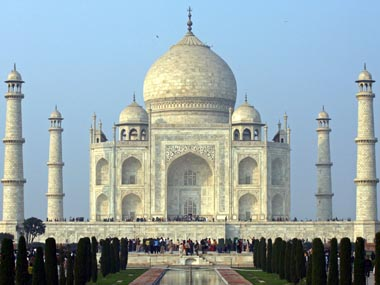 case study on taj mahal due to air pollution