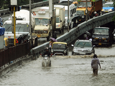 disadvantages of rainy season Essay on rainy season in india (written in english language) article shared by of all the seasons in india, rainy season is awaited the most india is a hot country and rain is thus very beautiful and pleasant the temperature during summers crosses 45 degrees thus making the lands hot and parched and the ponds and tanks.