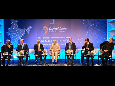 PM Narendra Modi with tech CEOs at the Digital India dinner. Image courtesy: @MEAIndia/Twitter
