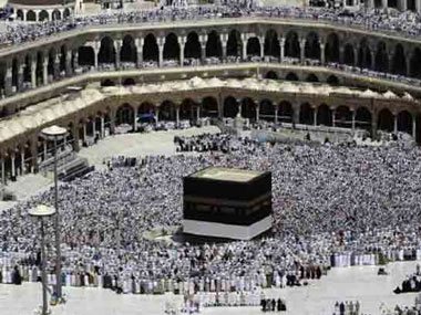 stampede-at-mecca-kills-717-pilgrims-including-one-indian-at-least-863-injured