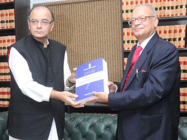 The Chairman of the Seventh Pay Commission, Justice A.K. Mathur submitted its report to the Union Minister for Finance, Corporate Affairs and Information & Broadcasting, Shri Arun Jaitley, in New Delhi on 19 November 2015. Image courtesy PIB
