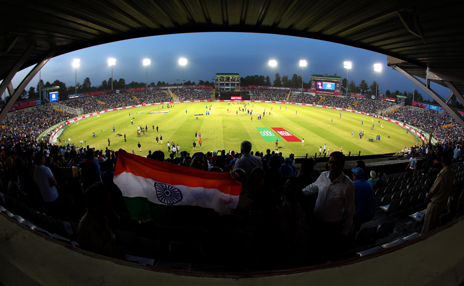 It was a full house at the IS Bindra stadium in Mohali as India played Australia in a must-win match. Solaris Images