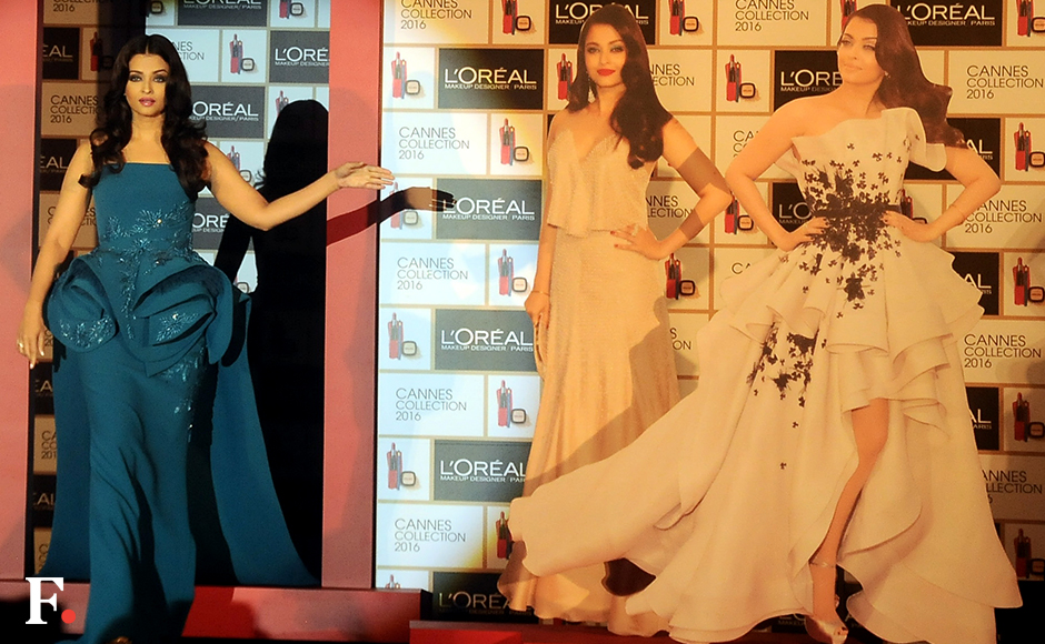 Aishwarya Rai unveiled her signature look for the upcoming Cannes Film Festival at a glitzy do on Tuesday in Mumbai. Image by Sachin Gokhale/Firstpost
