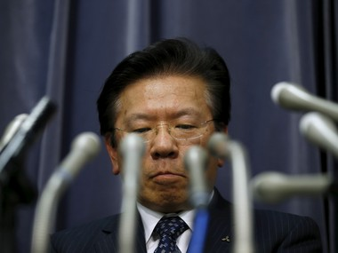 Mitsubishi Motors Corp's President Tetsuro Aikawa attends a news conference to brief about issues of misconduct in fuel economy tests at the Land, Infrastructure, Transport and Tourism Ministry in Tokyo, Japan, April 20, 2016. Reuters