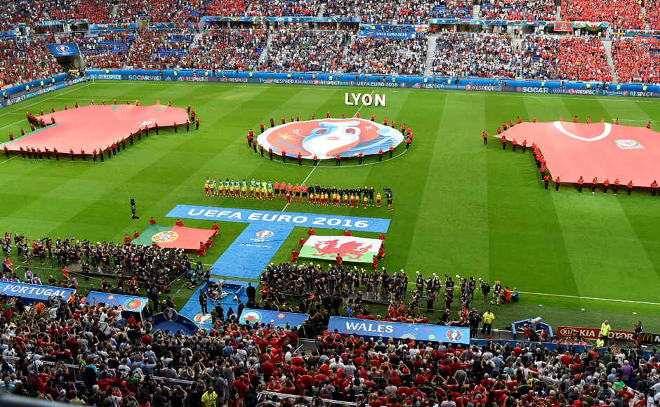 Portugal and Wales line-up for the national anthems before the big semi-final clash i Lyon. AFP