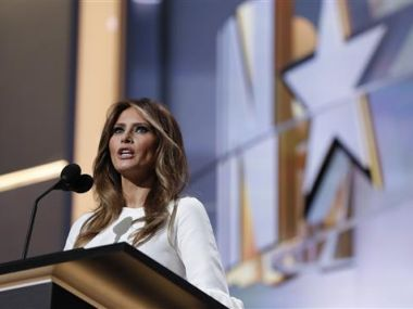 world melania slams husband donald trumps unacceptable remarks exhorts people accept apology