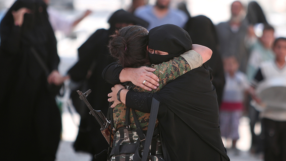 Islamic State released hundreds of civilians on Saturdaythat they had used as human shields while fleeing the crumbling stronghold of Manbij in northern Syria, but the fate of others remained unknown.Reuters