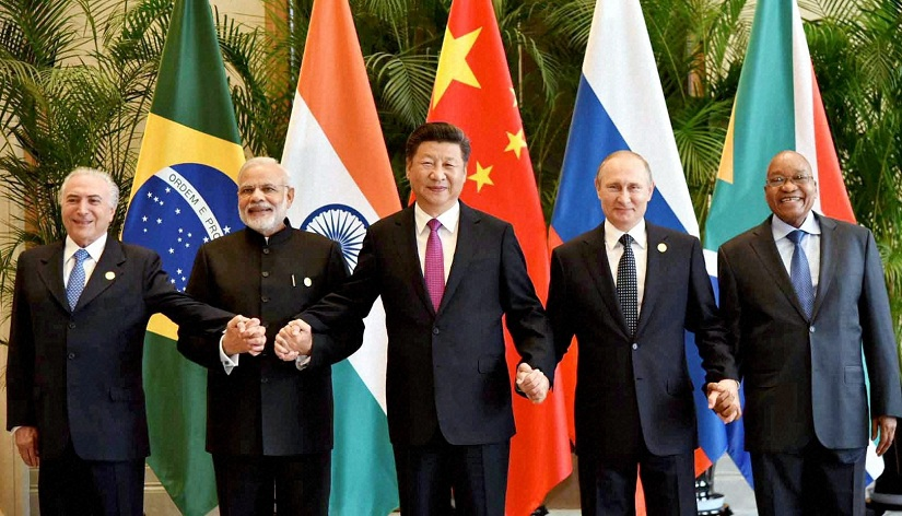 Hangzhou:Prime Minister Narendra Modi with Chinese President Xi Jinping, Russian President Vladimir Putin, South African President Jacob Zuma and Brazilian President Michel Temer posing for a group photo before the BRICS meeting in Hangzhou, China on Sunday.PTI Photo/PIB(PTI9_4_2016_000009B)