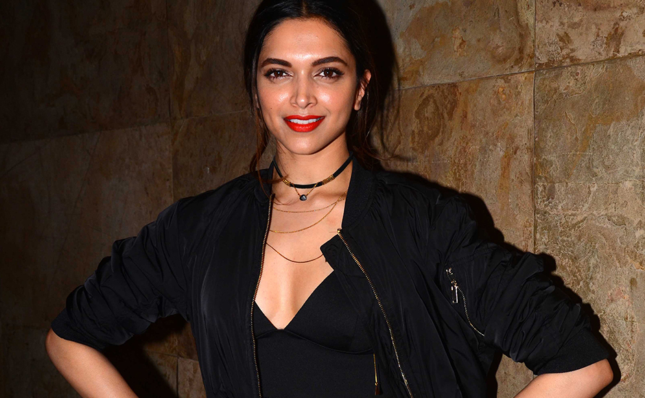 Deepika Padukone choses to go all black for her screening. Sachin Gokhale/Firstpost