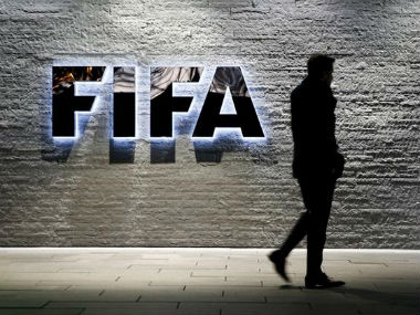 A Dutch union has accused Fifa of failing to halt abuses of workers' rights in 2022 World Cup hosts Qatar. Reuters