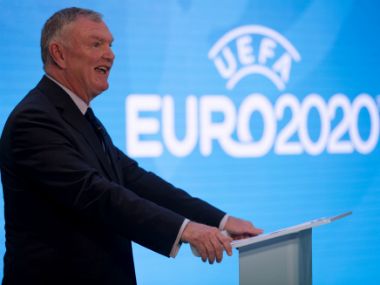 FA chairman Greg Clarke suggests gay players should 'come out' together
