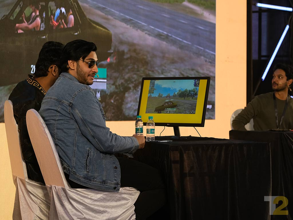 Ronnie Dasgupta aka RawKnee lending his casting skills to a game of PUBG Mobile at Tech2 Innovate.