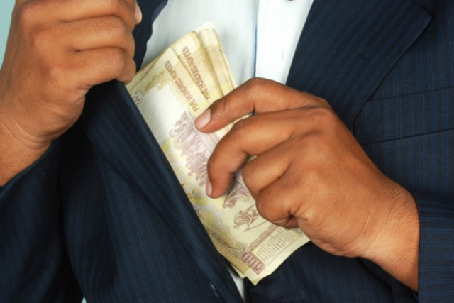 Average Indian CEO earns Rs 10 cr annually; still j